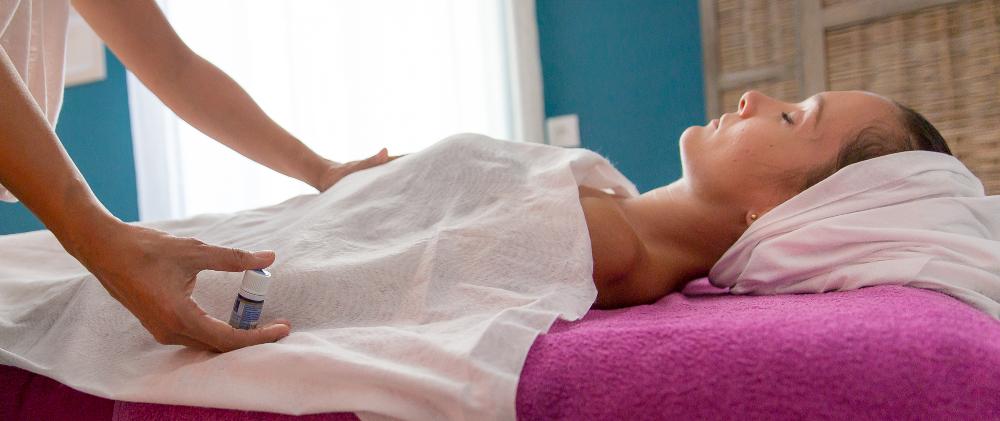Relaxologie, accompagnement dans la relation à soi par le toucher
